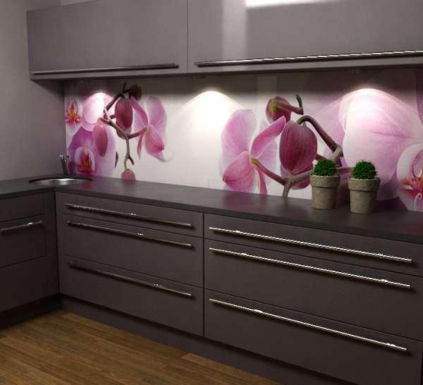 Küchenrückwand mit Orchideen