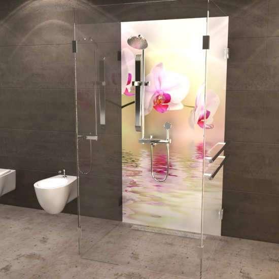 Duschrückwand Orchideenblüte über Wasser 02